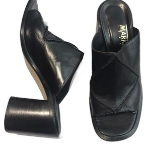Markio Italy, leather sandals; size 8.